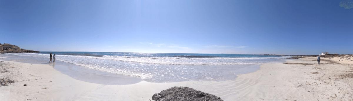playa es trenc eva añón mallorca social media